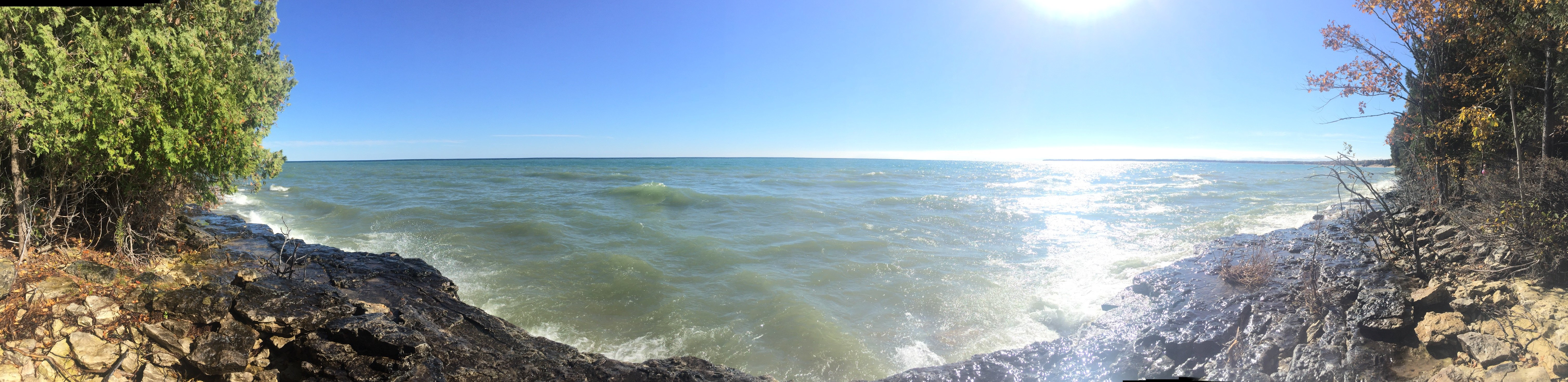 Water splashing on the Bay of Green Bay